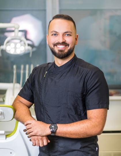 Dr. Tejeda Tamás Márk - Dentist