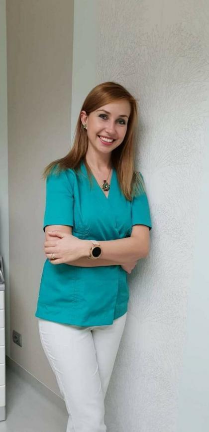 Dr. Császár Zita - Parodontológus szakorvos