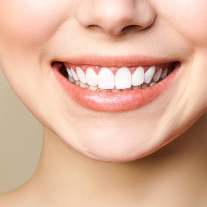 A fogászati góc: Hajhullás, bőrpanaszok, ízületi fájdalom?