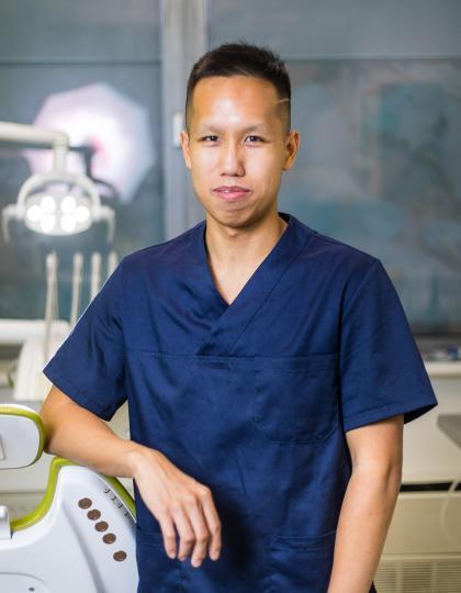 Dr. Viet Huy - Fogorvos