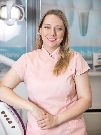 Lázok-Marék Boglárka - Fogászati asszisztens, dentálhigiénikus